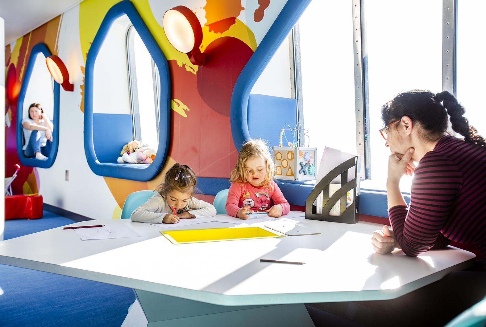 Tallink Megastarin lasten leikkipaikka.