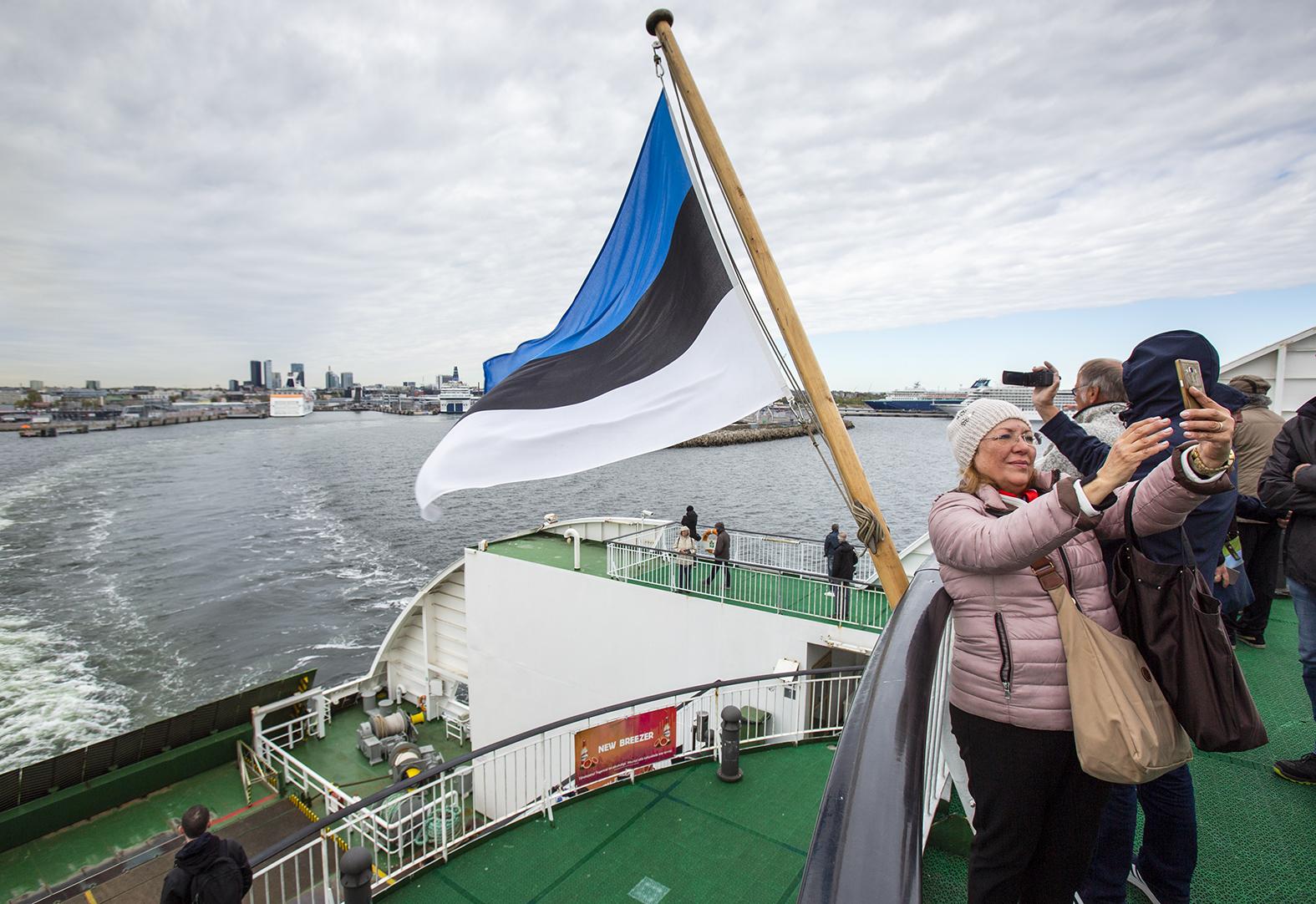 Laivan kansi on selfie-paikkojen aatelia. Kannelle pääsee sekä Starilla että Megastarilla.