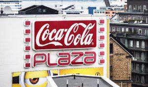 bg0817_30_pic_coca-cola-plaza_f_ach_1