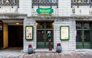 Ravintola Scheeli on perustettu vanhan pankin tiloihin.