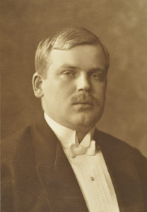 Poliitikko ja Pelastuskomitean jäsen Jüri Vilms kuoli epäselvissä olosuhteissa Suomenlahdella.