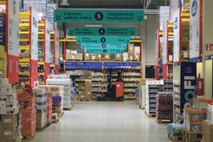 Promo Cash & Carryn Tallinnan myymälä on siisti ja hyvin järjestelty.