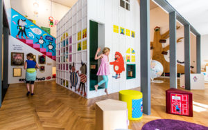 Lasten valtakunta on kuraattori Inge Laurikin ylpeydenaihe ja ilouutinen matkaileville lapsiperheille.