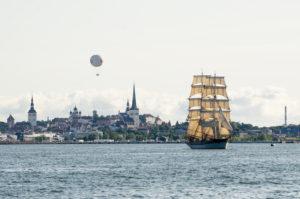На Таллиннских днях моря можно увидеть как уникальные исторические парусники, так и современные корабли.