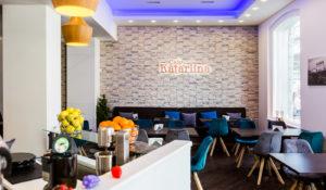 Tyylikäs Cafe Katariina sopii hyvin aamiais- tai lounaspaikaksi.