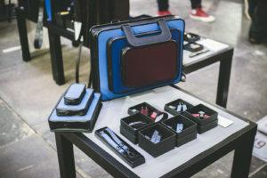 Nahkaisia design-tuotteita on Virossa paljon, kuten Tiina Andronin kulmikkaita laukkuja.