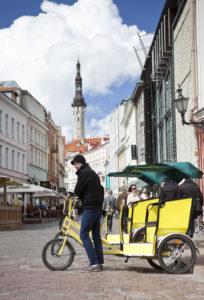 Kesällä tuli voimaan säädös, että polkupyörätaksien kuljettajilla tulee olla näkyvissä kuvallinen henkilökortti.