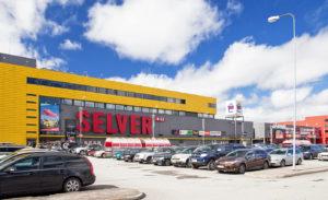 Nõmmen kaupunginosan lähellä sijaitseva Järve Selver on Viron suurin Selver-marketti.