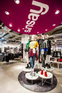 Sinsaylla on Tallinnassa useita myymälöitä.