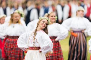 Virolaisuuden ytimeen voi  sukeltaa Laulu- ja tanssijuhlilla.