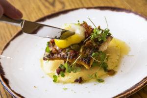 Ravintola Mon Repos on menestynyt hyvin sekä Hõbelusikas- että White Guide -ravintola-arvosteluissa.