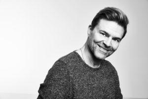Ressu Redford juhlii 35-vuotista taiteilijataivaltaan 21.4.  Silja Europalla.