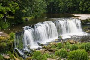 Keilan vesiputous on ehkäpä Viron maalauksellisin. Se on myös suosittu hääparien kuvauspaikka.