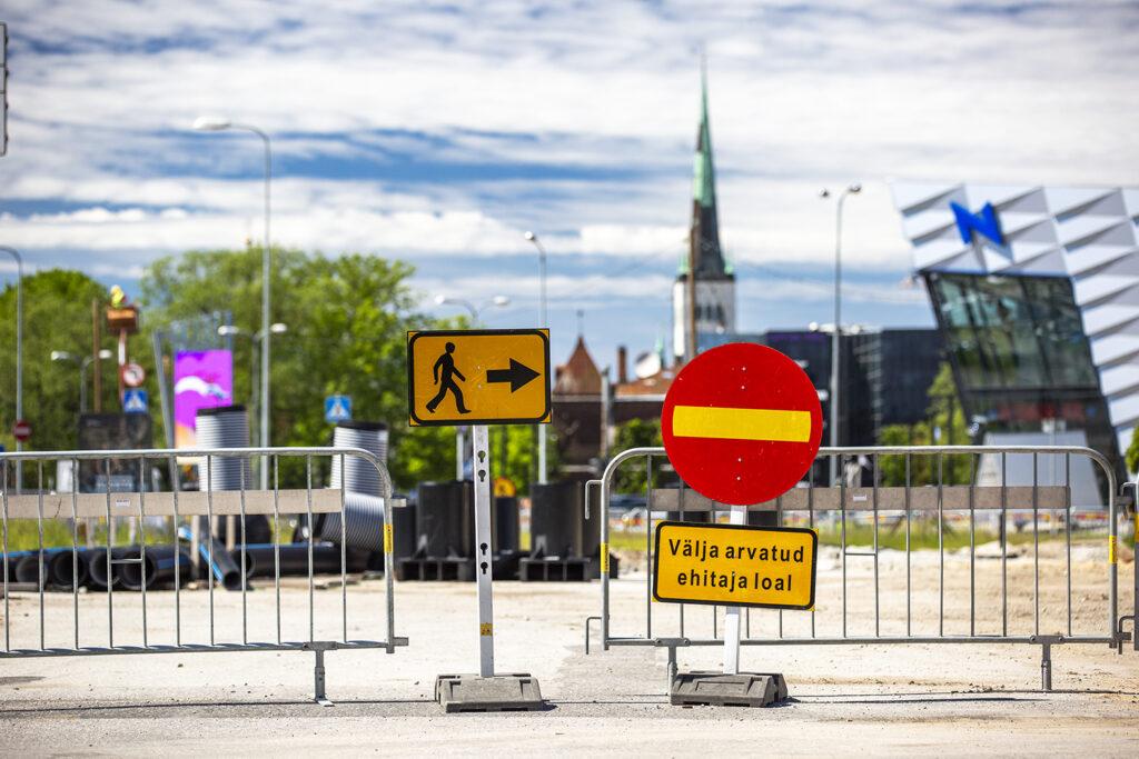 Tietyo Hankaloittaa Automatkustajien Paasya Tallinnan D