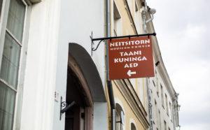 Tallinnan historiaa haviseva Tanskan kuninkaan puutarha on Vanhankaupungin sydämessä, Neitsitorn-tornin kupeessa.