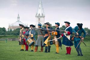 В Нарвском замке можно не только увидеть историческую баталию, но и поучаствовать в мирной жизни 18 века.