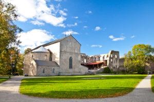 Haapsalun piispanlinna avattiin remontin jälkeen yleisölle 28.6. Yksi Viron hienoimmista matkailukohteista on nyt entistäkin monipuolisempi.