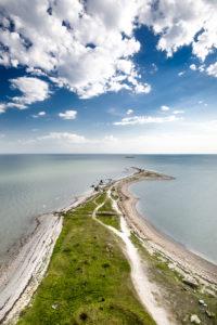 Saarenmaan eteläkärjessä sijaitsevasta Sõrven majakasta avautuvat huikeat maisemat.