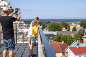 Remontin myötä Haapsalun linnassa pääsee nyt korkeammalle kuin koskaan.