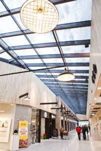 Ostoskeskus Arsenal on Pohjois-Tallinnan tyylikäs ostari, jossa on useita outletejä.