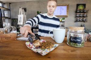 Tallinnan Sativa Storessa myydään myös leivonnaisia, joissa on käytetty hamppua.