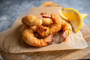 FishBishin listoilla on myös friteerattuja jättiläiskatkarapuja ja tofua.