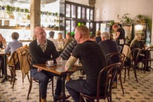 Lore Bistroo on monille tutun ravintola Umamin seuraaja. Upeasti sisustettu ruokapaikka on Tallinnan Noblessnerin alueella.