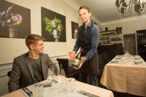 Tallinnaan avatun luomuruokaravintola Maidelin raaka-aineet tulevat lähitiloilta.